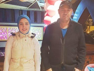 خالد تاج الدين مع محررة عين