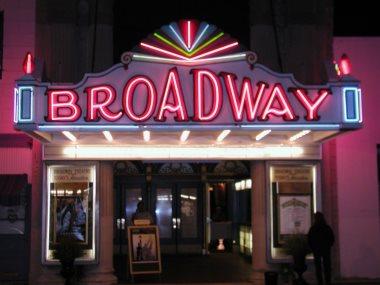 المسرح فى برودواى