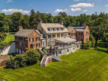منزل مايكل دوجلاس وكاثرين جونز الجديد
