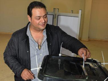 مراد مكرم يدلى بصوته