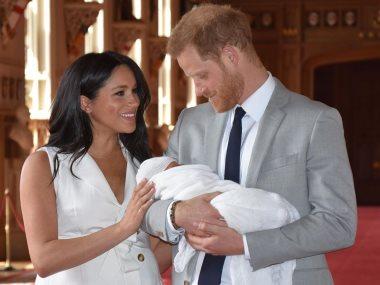 الأمير هارى وزوجته مع ابنهما آرتشى