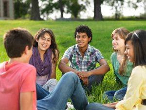العلاقات الاجتماعيه - اصدقاء - شباب