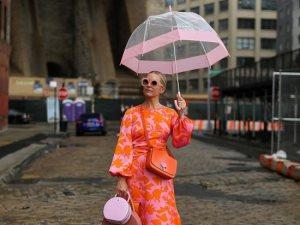 ازياء - ملابس - فستان- فتاه - موضه - شمسيه