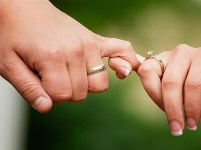 مشاعر الرجل تكشفها أصابع يده سبابة قصيرة رومانسى بنصر قصير عدوانى عين