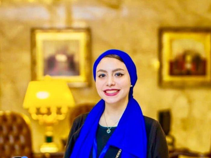 الطالبة ريهام طارق