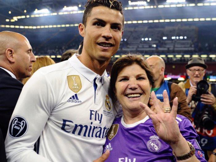 صورة صور لكرستيانو رونالدو , معلومات عن اشهر لاعب في العالم