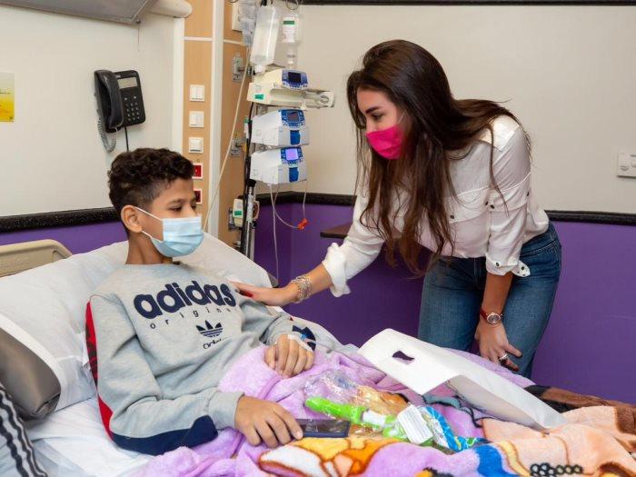 ياسمين صبرى فى مستشفى سرطان الأطفال مصر 57357