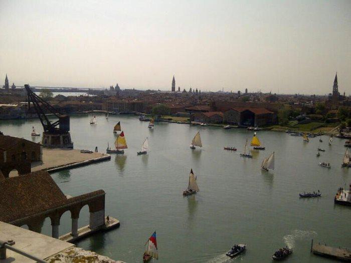 سينما القوارب فى ايطاليا