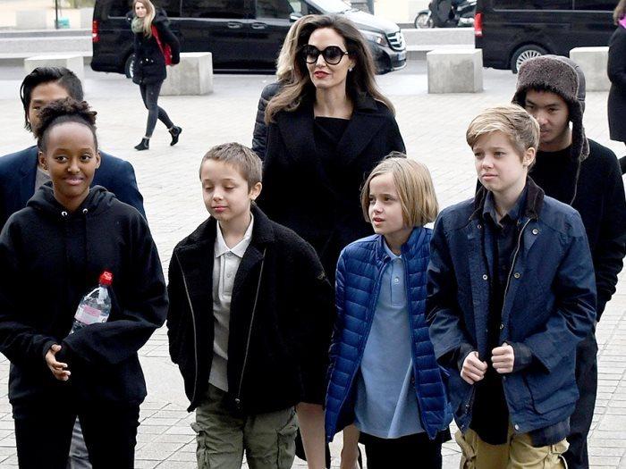 أنجلينا جولى وأبناؤها