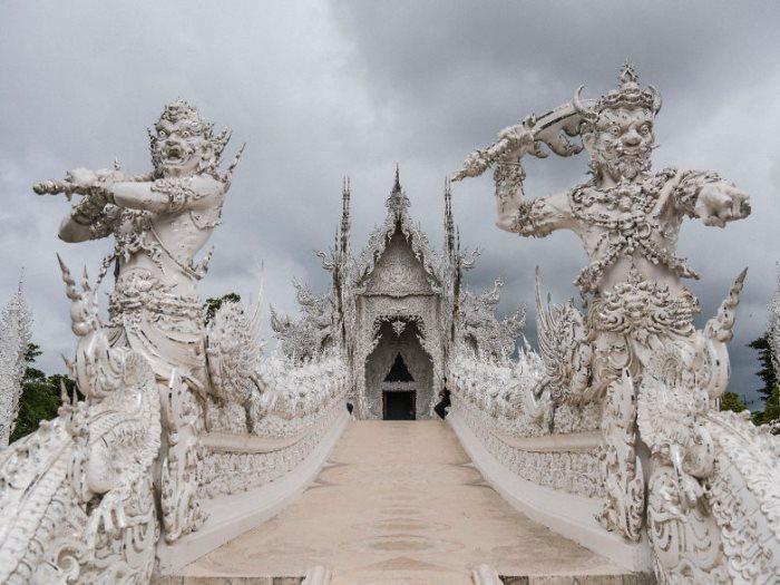 المعبد الأبيض فى تايلاند