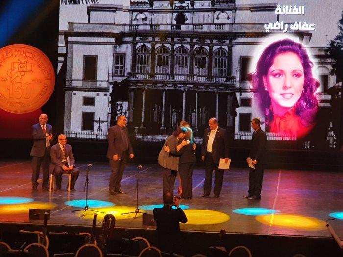 تكريم عفاف راضى فى احتفالية مرور 150 عام على انشاء الأوبرا
