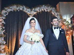 صور..محمد عبد المعطى وفرح على يحتفلان بزفافهما