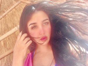 صور.. جيهان خليل تستمع بإجازة الصيف فى دهب بعد انتهائها من «أبواب الشك»