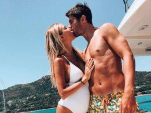 إسبانيا تشتعل وألفارو موراتا يلهو مع زوجته