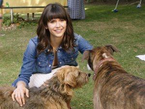 نينا دوبريف فى فيلم الكوميديا Dog Days