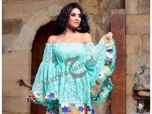 مصممة الأزياء «مروة حامد»: الموضة الصيفية ألوان كرنفالية ونقوش وردية