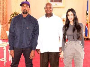 بسبب 7 أطفال.. الرئيس الأوغندى «ولع الدنيا» بين كيم كاردشيان وكانى