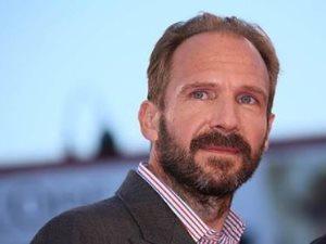 رالف فاينس ينل جائزة شرفية بـEuropean Film Awards.. اعرف التفاصيل