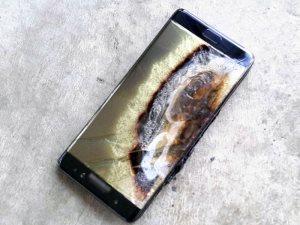 فيديو معلوماتى..11 نصيحة لحماية هاتفك من الانفجار