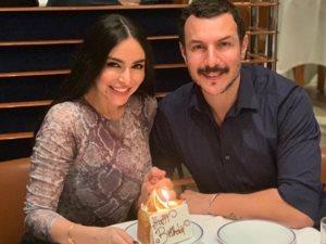 باسل خياط يحتفل بعيد ميلاد زوجته فى دبى