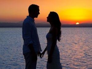 تناول الأزواج للأسماك وفواكه البحر بانتظام يزيد الغلاوة والحب بينهما