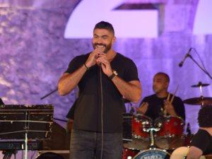 صور.. خالد سليم يطرب جمهور حفله بأغنياته الرومانسية فى مهرجان القلعة