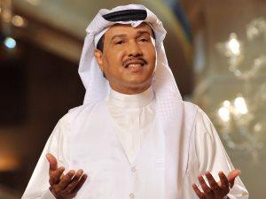 شاهد.. محمد عبده يقضى إجازته على شواطئ نيوم
