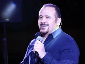 هشام عباس: انتهيت من 16 أغنية والألبوم قريبا