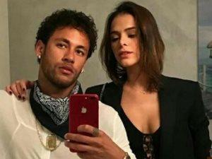 نيمار ينفصل عن عارضة الأزياء البرازيلية برونا ماركيزين «تانى»
