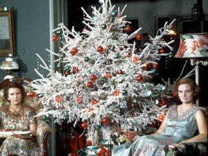 ارجع بشريط الذكريات.. شجرة الكريسماس وزينة المنازل فى الخمسينات