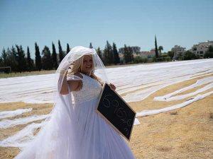 أطول طرحة فى العالم تدخل موسوعة جينيس بسبب عروسة قبرصى