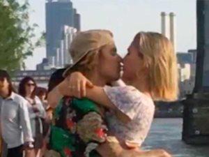 جرعة رومانسية مكثفة بين جاستين بيبر وهايلى بالدوين تؤكد علاقتهما العاطفية