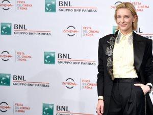 كيت بلانشيت ترتدى بدلة كلاسيكية من Acne Studios بمهرجان روما السينمائى