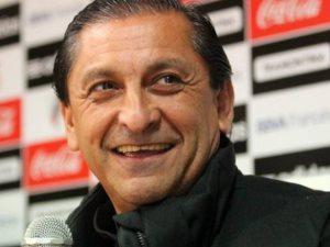 رامون دياز في القاهرة للتوقيع على عقود تدريب الأهلى لمدة موسمين