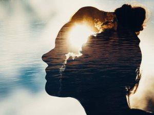 «النور مكانه القلوب».. حقائق عليك معرفتها لتحتضن خيوط شمس الغروب