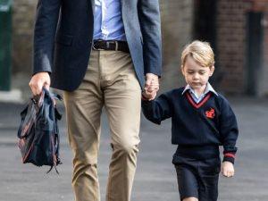 لماذل لم تنشر العائلة المالكة صورا للأمير جورج وأخته مع بدأ الدراسة؟