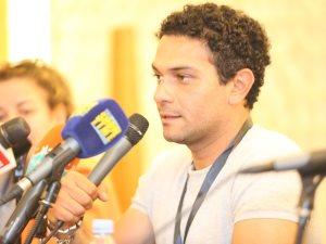 آسر ياسين: أفضل التواجد فى السينما العالمية بفيلم مصرى ونفسى أرجع المسرح
